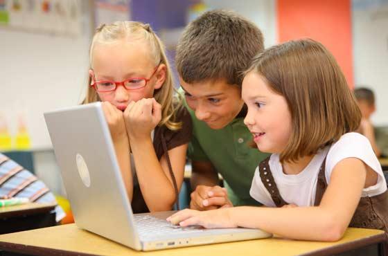 Сколько времени можно сидеть за компьютером детям?